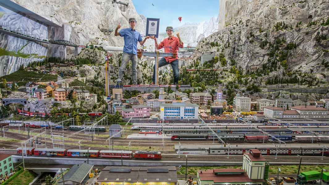 Largest ever model train set