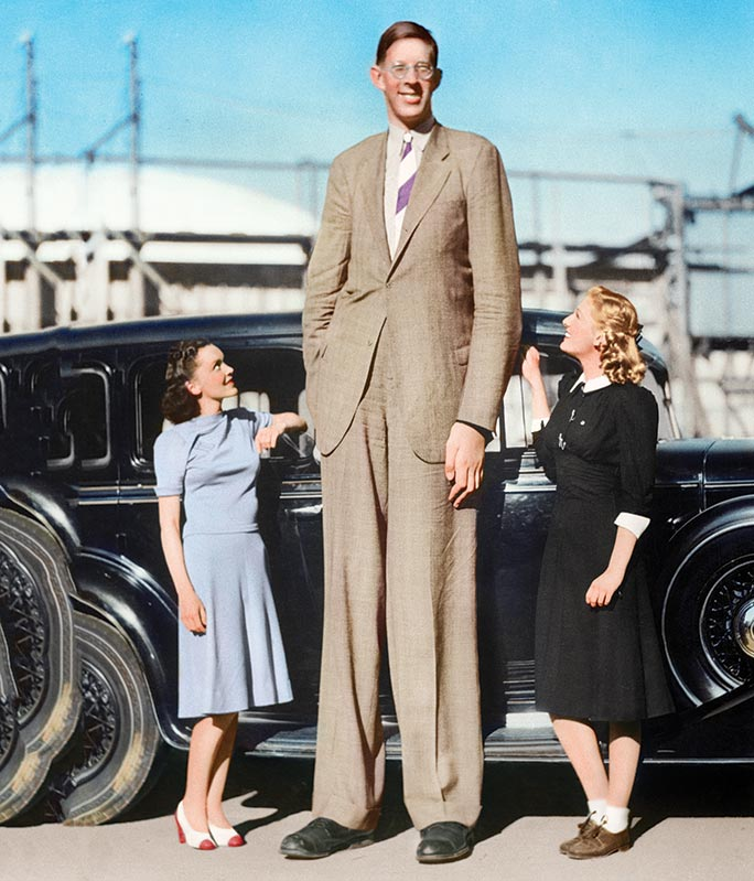 Robert Wadlow: ©Getty. Colourised by PMH