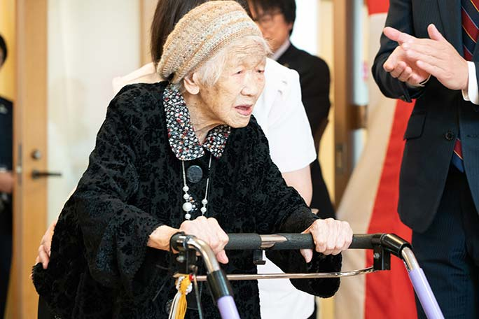Oldest person living Kane Tanaka arriving