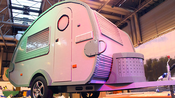 largest-caravan-made-with-interlocking-plastic-bricks-header