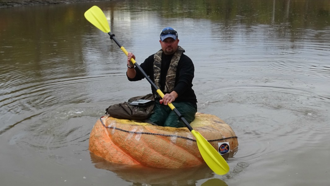 Man creates pumpkin boat then paddles 25 miles in it to set new record