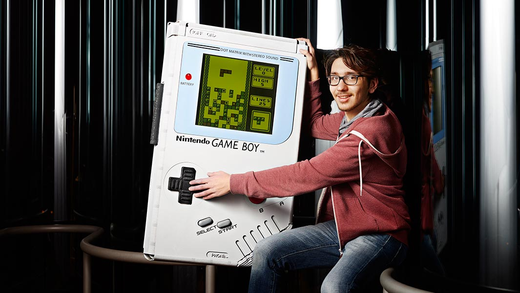 Video: Meet the student who built the world's largest Game Boy